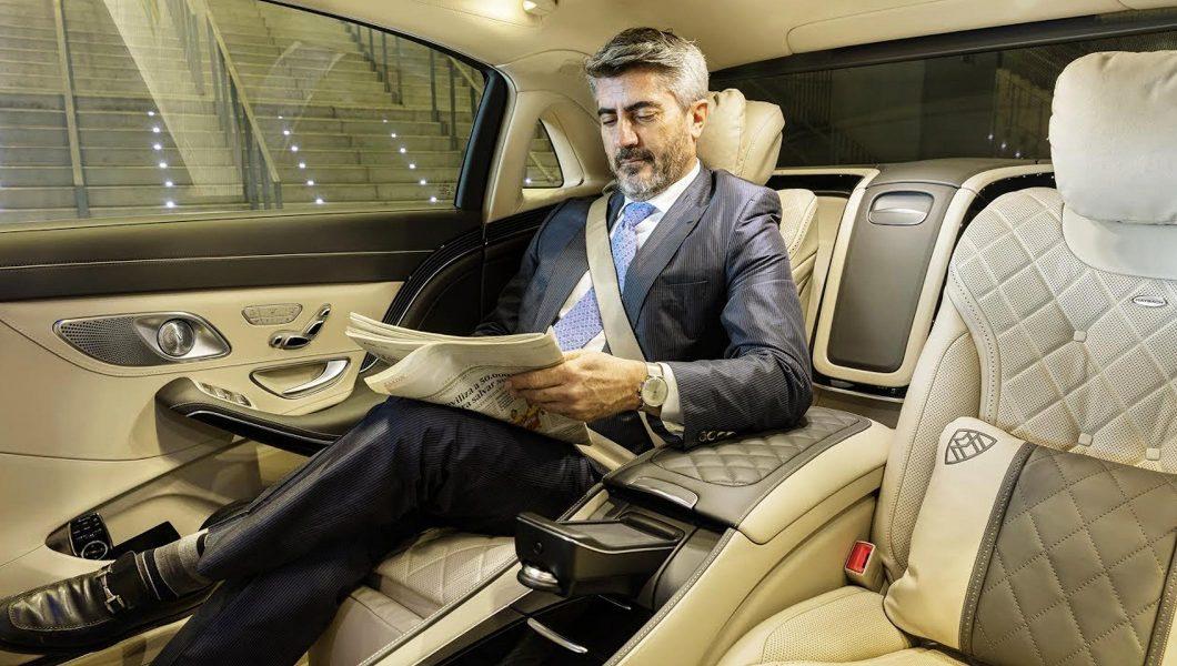 Om de afaceri în Mercedes-Benz.